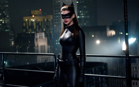 Anne-Hathaway-Gatubela-Batman-The-Dark-Knight-Rises