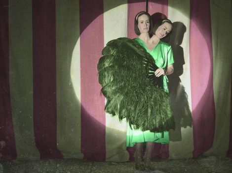 american-horror-story-freak-show-character-poster-sarah-paulson