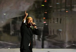 Common en su sentida interpretación de 'Glory'