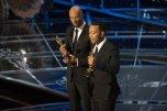 Common y John Legend con su Oscar a la Mejor Canción por 'Selma'