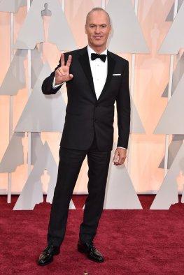 Michael Keaton saludando a cámara
