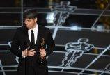 Tom Cross recoge su Oscar al Mejor Montaje por 'Whiplash'